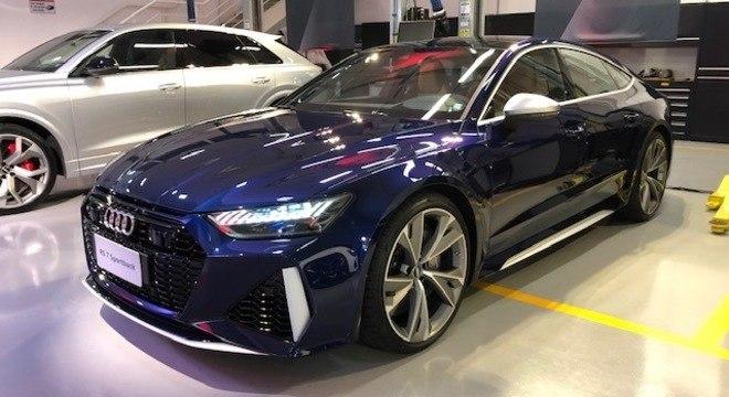 RS 7 Sportback tem jeito de carro conceito e segue a receita do motor V8 com tração integral