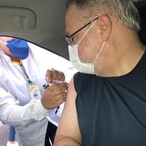 Augusto Aras é vacinado em Brasília