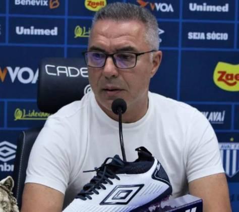 Augusto Inácio – português – 66 anos – sem clube desde que deixou o Avaí, em fevereiro de 2020 – principais feitos como treinador: conquistou um Campeonato Português (Sporting)