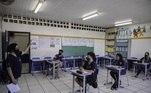 Justiça determina que prefeitura de São Paulo retome as aulas no início de 2021 seguindo todos os cuidados sanitários para evitar contaminação de coronavírus. A prefeitura informa que deve retomar as atividades em fevereiro, mas aguardo o aval das autoridades de saúde