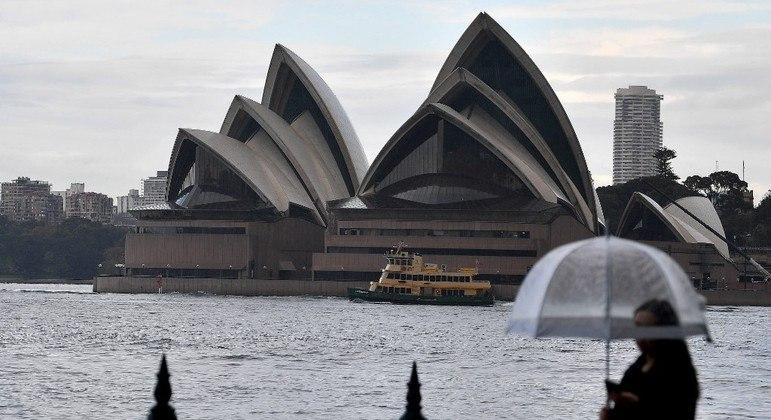 Austrália reduz número de viajantes autorizados a entrar no país
