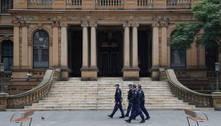 Melbourne retoma confinamento e Sydney bate recorde de casos