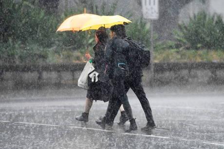 Chuvas ajudam a apagar queimadas na Austrália