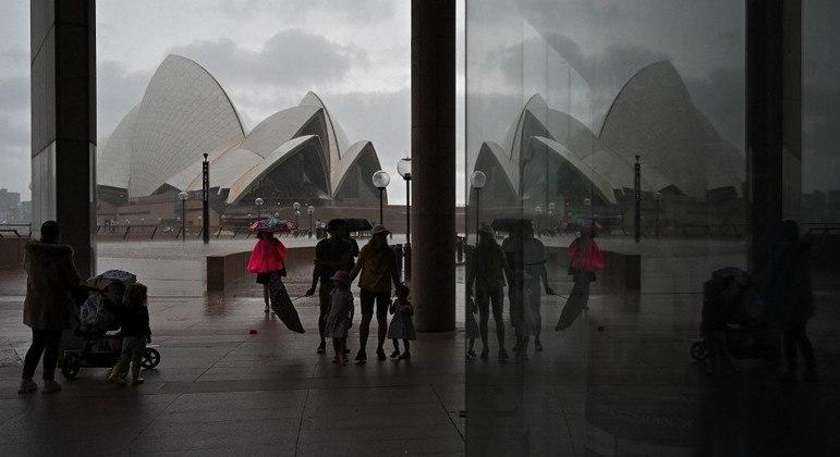 População de Sydney pode retomar atividades rotineiras após 106 dias