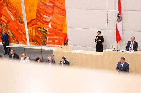 Parlamento austríaco foi dissolvido no dia 3 de julho