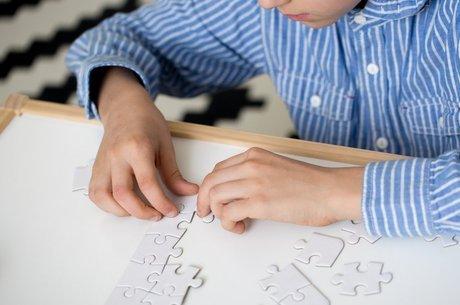 Possíveis causas do autismo intrigam cientistas do mundo inteiro