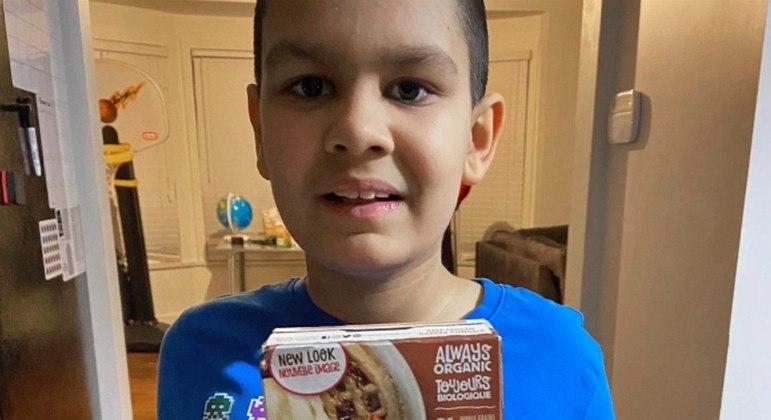 Criança só come alimento que parou de ser fabricado, mas a empresa criou receita especial para o menino