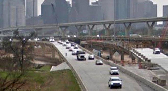 Hoje o FBI monitora padrões de crimes ao longo do sistema de estradas interestaduais nos EUA