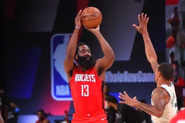 Autor de 49 pontos na vitória sobre o Dallas Mavericks na última sexta-feira, o astro James Harden (Houston Rockets) não conseguiu repetir a grande atuação diante do Milwaukee Bucks, mas saiu com o triunfo. Harden obteve 24 pontos, sete rebotes, sete assistências e seis roubadas de bola. A defesa do Rockets foi responsável pelo resultado