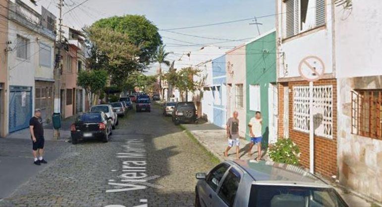 Autoridades lacram loja  na rua Vieira Martins, no Brás, por venda ilegal de respiradores