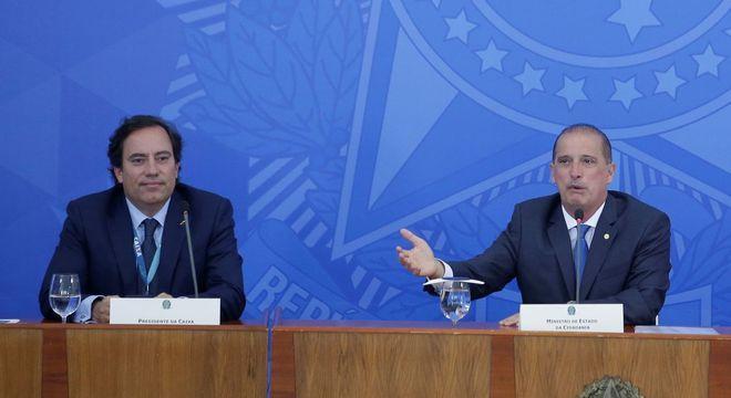 O presidente da Caixa, Pedro Guimarães, e o ministro da Cidadania, Onyx Lorenzoni