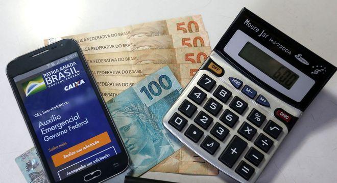 Beneficiários do Bolsa Família serão os primeiros a receber a 4ª parcela