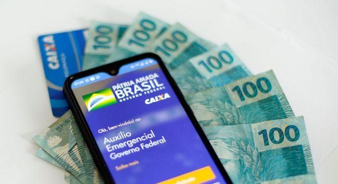 Auxílio paga até R$ 1.200