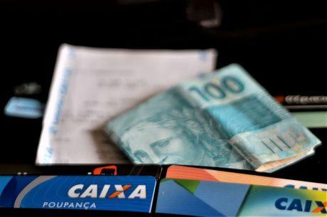 Brasileiros fraudam sistema de auxílio emergêncial
