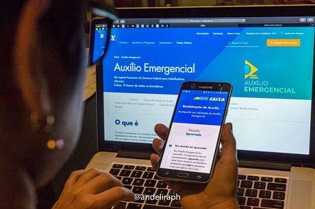 40% dos brasileiros com mais de 18 anos pediu auxílio