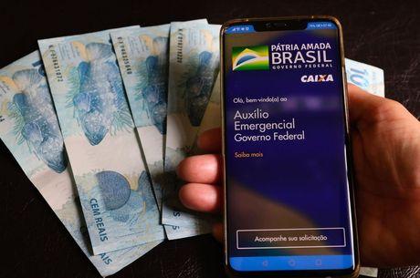 Auxílio deve custar R$ 322 bilhões ao governo neste ano