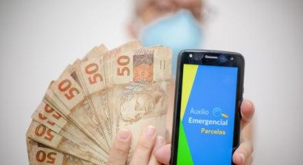 Auxílio emergencial pode ser reavaliado em 2021