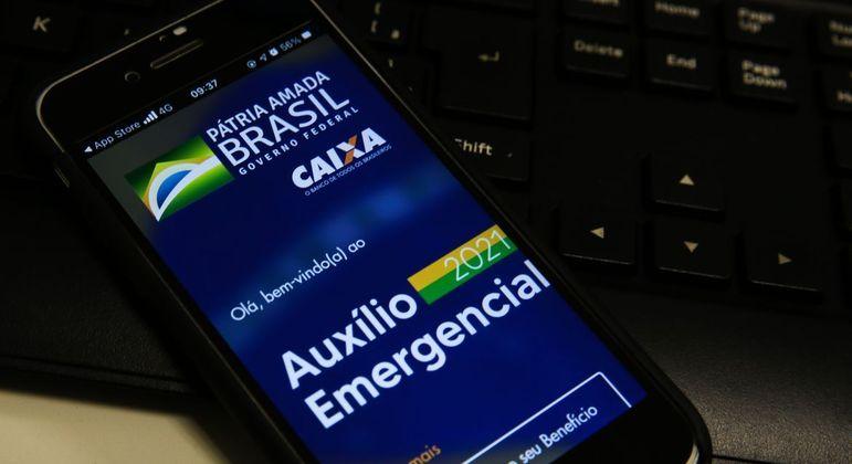 Média do auxílio emergencial neste ano é de R$ 250