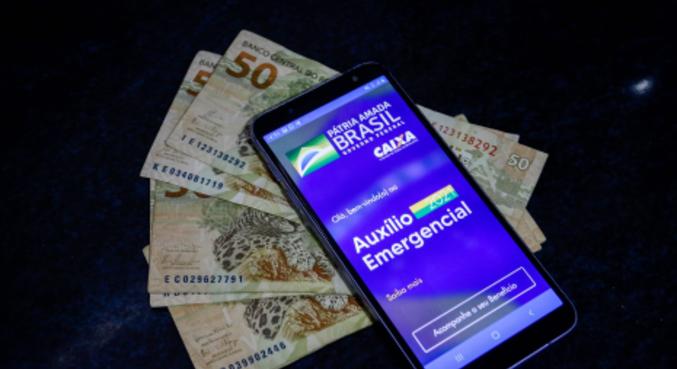 Valor é depositado primeiro em conta digital e movimentado por aplicativo