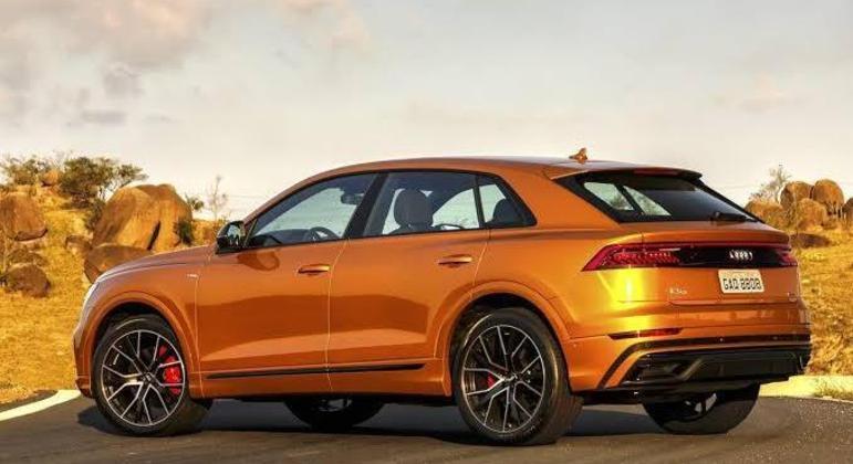 Modelo é vendido em duas versões: Performance (R$ 539.990) e Performance Black (R$ 569.990)