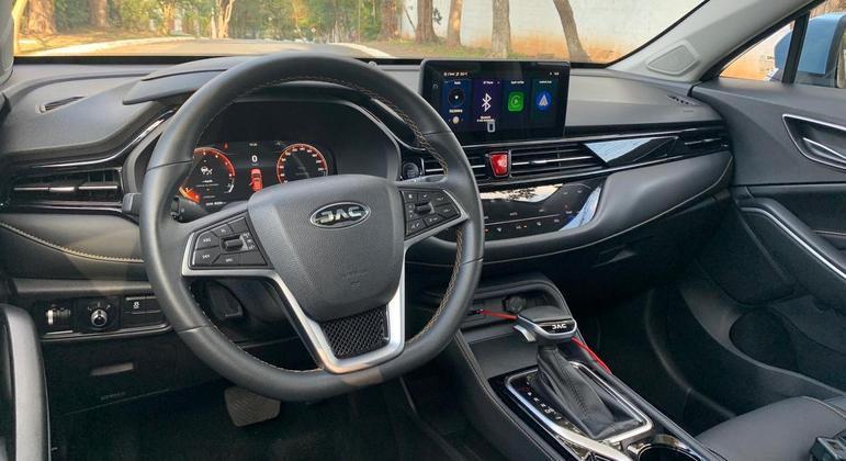 Nova multimídia de 10,25 polegadas e coonta com Android Auto e Apple CarPlay com função de espelhamento sem fio