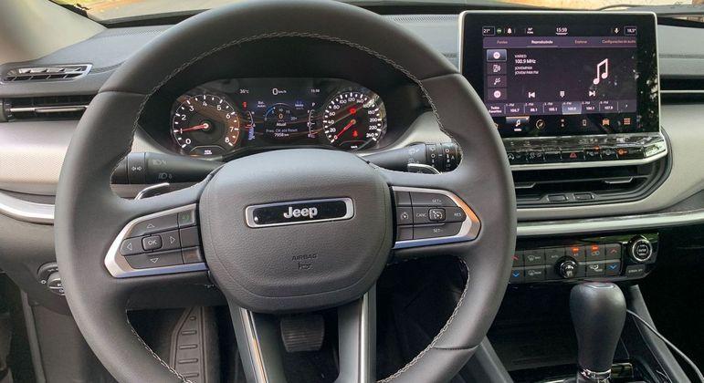 SUV tem cluster digital com computador de bordo