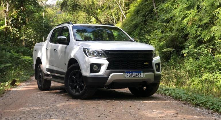 Chevrolet optou por manter o alerta de colisão frontal, porém agora com frenagem automática de emergência e detector de pedestres