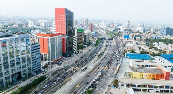 Um dos problemas que permanecem no país é a falta de infraestrutura, dizem entrevistados
