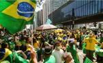 SP - 7 DE SETEMBRO/ATOS/SP/AVENIDA PAULISTA - POLÍTICA - Apoiadores do presidente Jair Bolsonaro (sem partido) participam de ato com pautas antidemocráticas na Avenida Paulista, na região central de São Paulo, na manhã desta terça-feira, 7 de setembro de 2021. Bolsonaro avisou que fará um discurso mais 'robusto' entre 15h30 e 16 horas na capital paulista. 07/09/2021 - Foto: JERôNIMO GONZALEZ/PHOTOPRESS/ESTADÃO CONTEÚDO