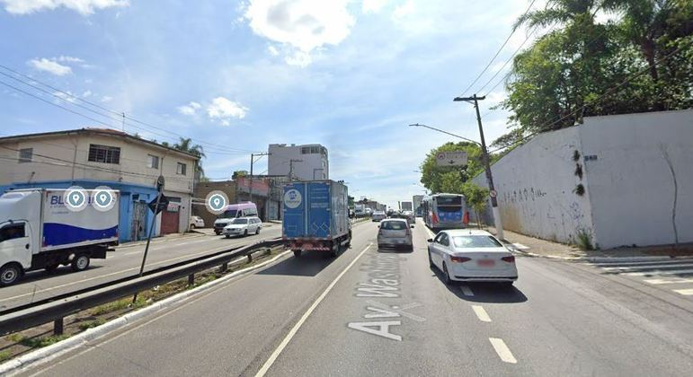 Acidente aconteceu no cruzamento entre as avenidas Washington Luís e Interlagos