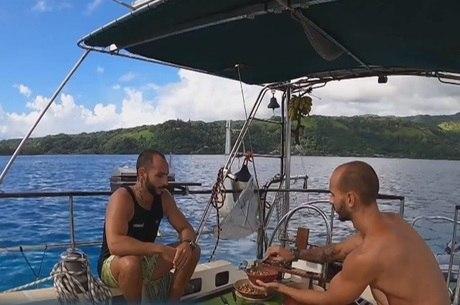 Irmãos brasileiros ficam presos no meio do Pacífico por causa do coronavírus