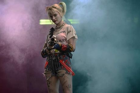 Margot Robbie encarna Arlequina em toda a sua loucura