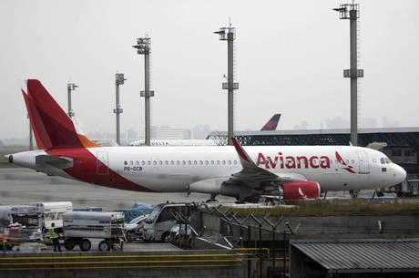 Passageiros com voos cancelados podem pedir reembolso