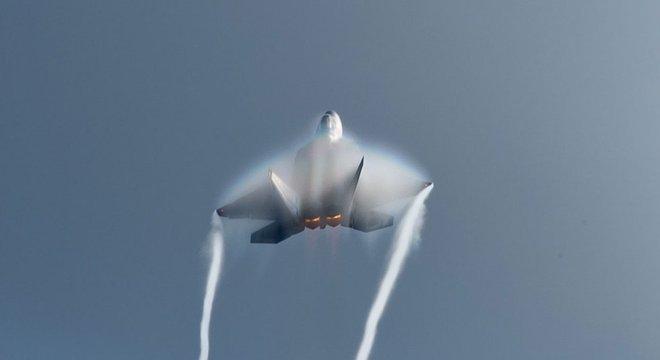 Os veículos hipersônicos nem sempre são armas, também podem ser qualquer tipo de aeronave cuja velocidade ultrapasse a barreira do som