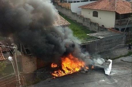 Moradores ajudaram a apagar fogo