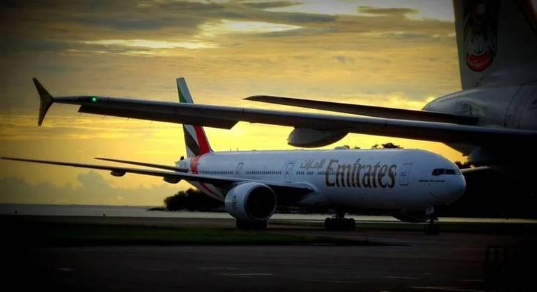 Atualmente, voos da Emirates de passageiros vindos da Índia estão suspensos