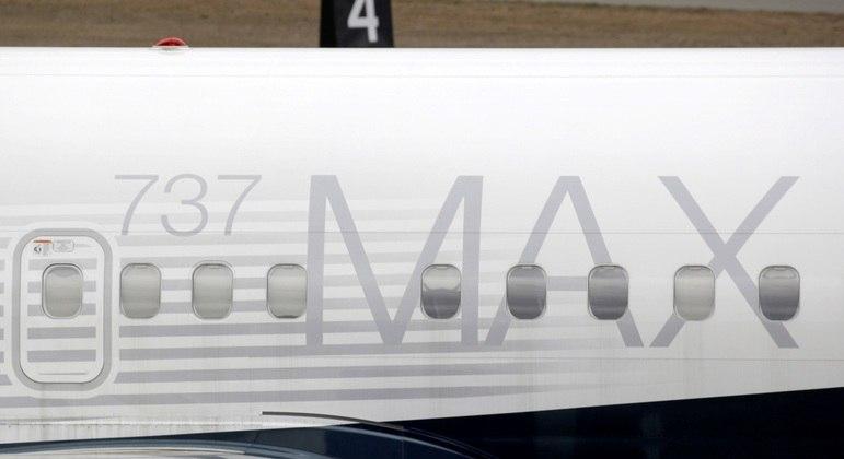 Boeing 737-8 MAX da Air Canada tem falha durante voo e pilotos mudam rota