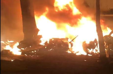 Bimotor pegou fogo e explodiu após a queda
