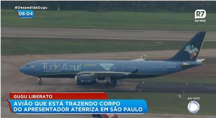 Chegada do avião com o corpo do apresentador