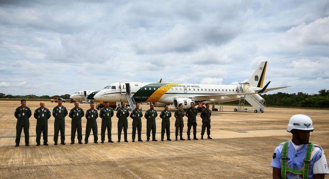 Os dois aviões da FAB enviados para trazer 34 brasileiros da China