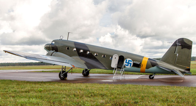 A Força Aérea finlandesa usava um símbolo com uma suástica desde que foi fundada em 1918