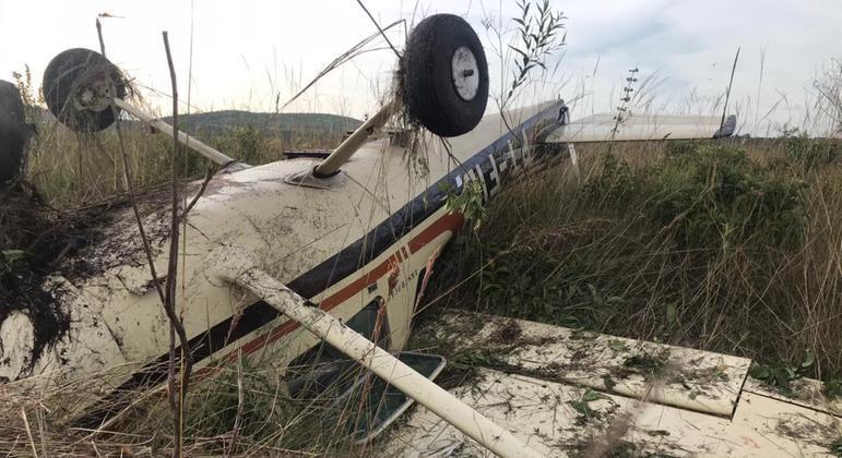 Avião de pequeno porte cai na região de Ribeirão Preto