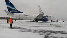 Avião com 116 a bordo derrapa ao pousar em aeroporto de Moscou