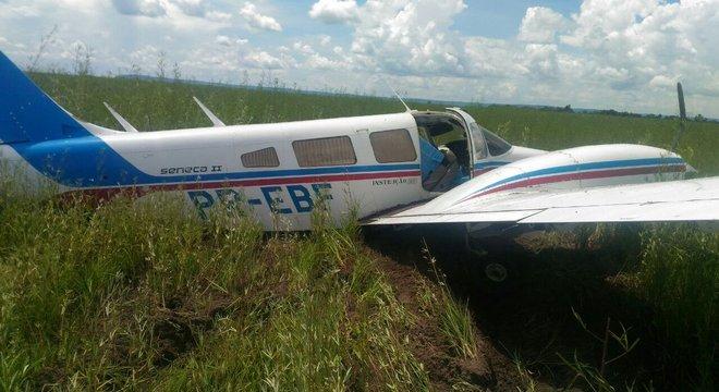 Avião com meia tonelada de cocaína é interceptado no Mato Grosso ... c5275793eeafc