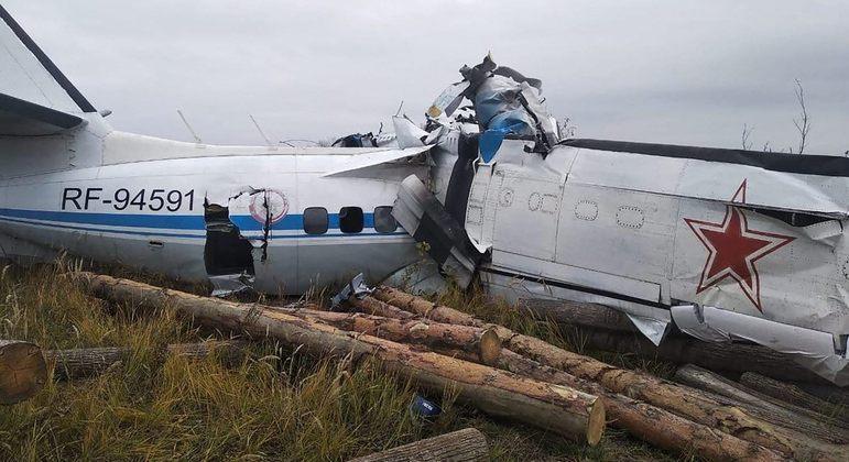 Avião levava grupo de paraquedistas civis pela Rússia quando caiu
