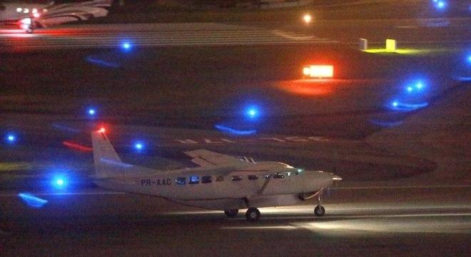 Avião da Polícia Federal leva Lula para Curitiba