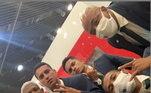 A delegação do Palmeiras demorou 14 horas para chegar em Doha, no Qatar, onde será disputado o Mundial de Clubes. O time vem de uma maratona de jogos e qualquer lugar é bom para descansar. Até avião. Ainda mais o que eles viajaram, que tinha até mesmo suíte! Confira