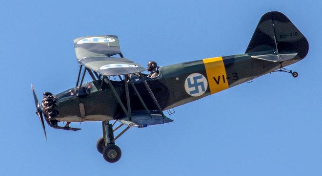 A suástica foi associada à Força Aérea finlandesa por meio de um nobre sueco chamado conde Eric von Rosen