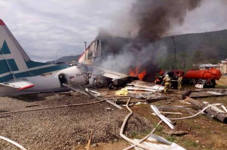 Os dois pilotos da aeronave morreram no acidente