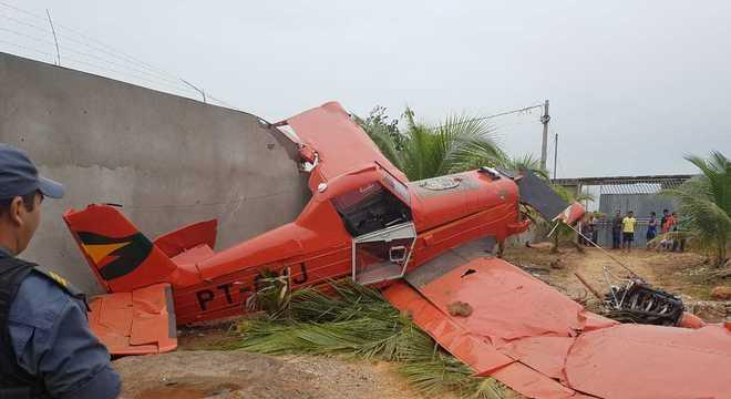 Avião agrícola cai em casa no interior do Maranhão
